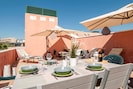 Stunning 35m2 Rooftop Terrace - Sunloungers, dining area, lounge, outdoor grill