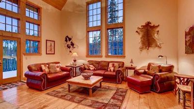 Living Room, Fireplace, TV, Deck Access