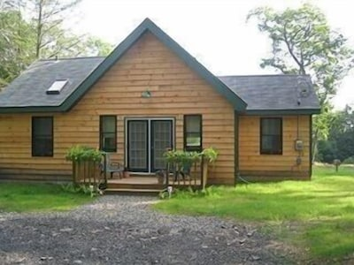 Cottage 2bedrooms, shared pool  private drive featured in Hudson Valley Homes🏡
