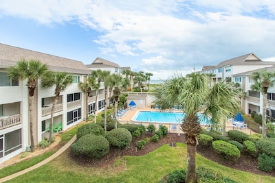 Great Views of Pool and Ocean.  Unit sleeps 6 with King, Queen, Twin, & Foldaway