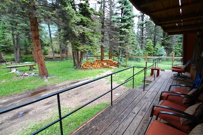 Enjoy the mountain air from the 1st floor patio.(Please bring your own firewood)