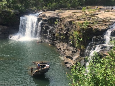 Little River Canyon Swimming picnics and Hiking