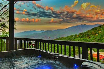 Melt away all stresses in our Hot Tub facing this amazing view!