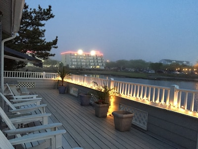 Private 50'waterfront deck with lights