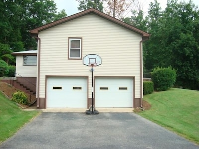 Plenty of room for parking & basketball. 2 car garage & ping pong table for fun