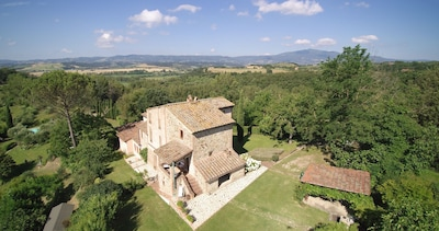 The Villa with Pergola on the border to Tuscany and Umbria