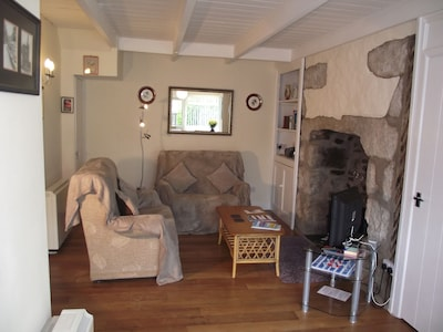 Cosy south-facing,pet-friendly,cottage,well placed for exploring West Cornwall