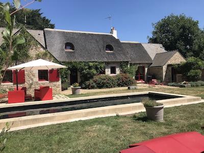 Chaumière classée 5 étoiles piscine privée chauffée
