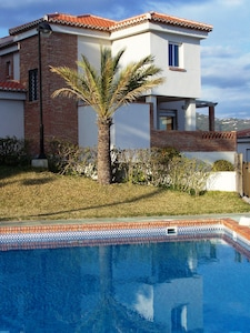 the house with fabulous sea and pool views