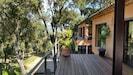 Terrasse séjour et balcon chambres