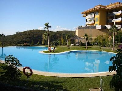 Ground floor  apartment in Reserva del Higueron with beach access