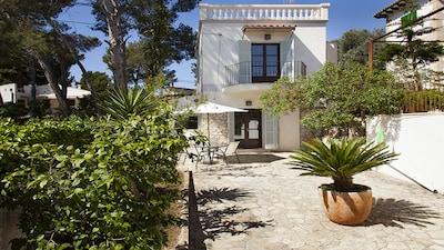 Very cozy villa 2 min from the beach