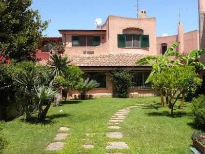 Villa per godersi il mare e la ROMA