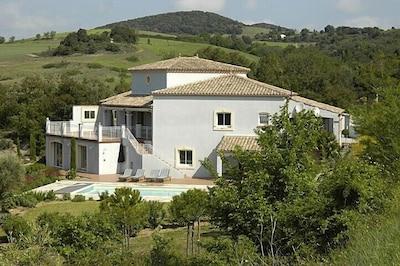 Side aspect of Villa
