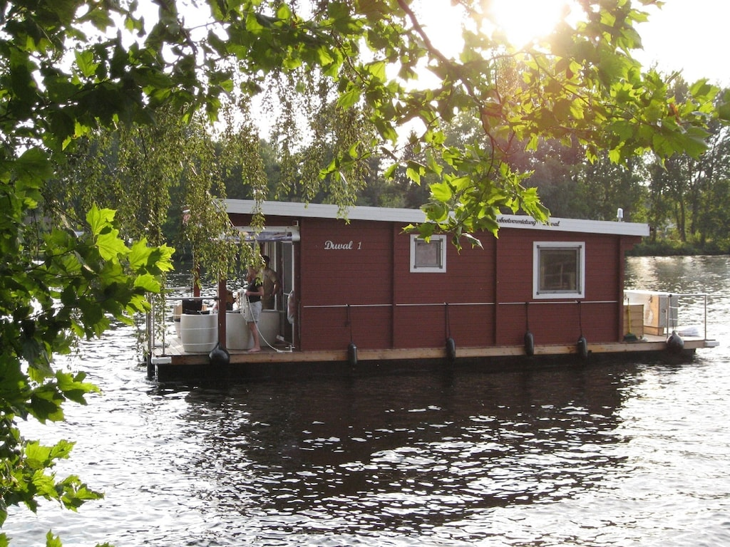 Comfortable houseboat in Berlin and Brandenburg! Without driver's license !!!!