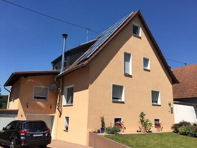 Moderne, neu renovierte **** - Ferienwohnung in ruhiger Lage am Stadtrand, 86 m²