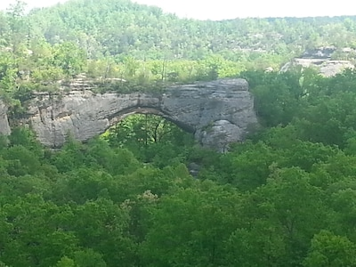 Great hiking at natural arch just minutes away on south 27.
