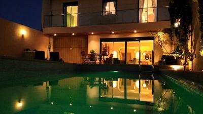 Centro de Mallorca! Hermosa casa de pueblo grande con piscina, garaje, jardín y gimnasio