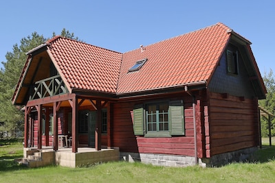 Außenseite Ferienhaus [Sommer]