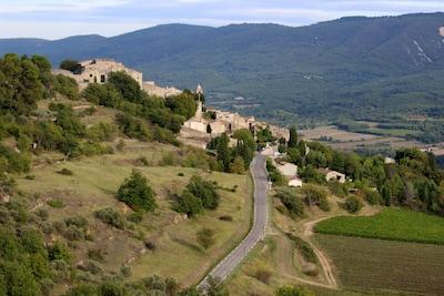 Le village de St Martin de Castillon