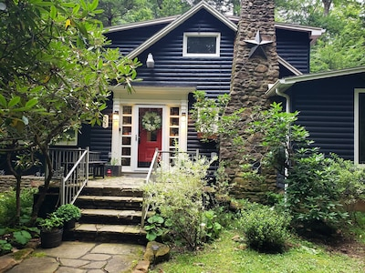 Fox Haven Cottage Exterior Entry.