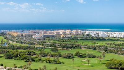 FANTÁSTICO: 4 habitaciones, casa con aire acondicionado, vistas al Mediterráneo, WIFI GRATUITO