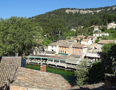 Vue village depuis le salon