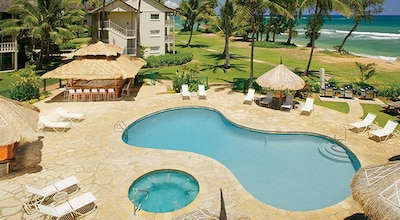 Pool and spa at the Islander on the Beach