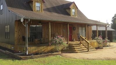 Zip Inn - Gateway to Zip Nac. Watch zipliners from front porch.