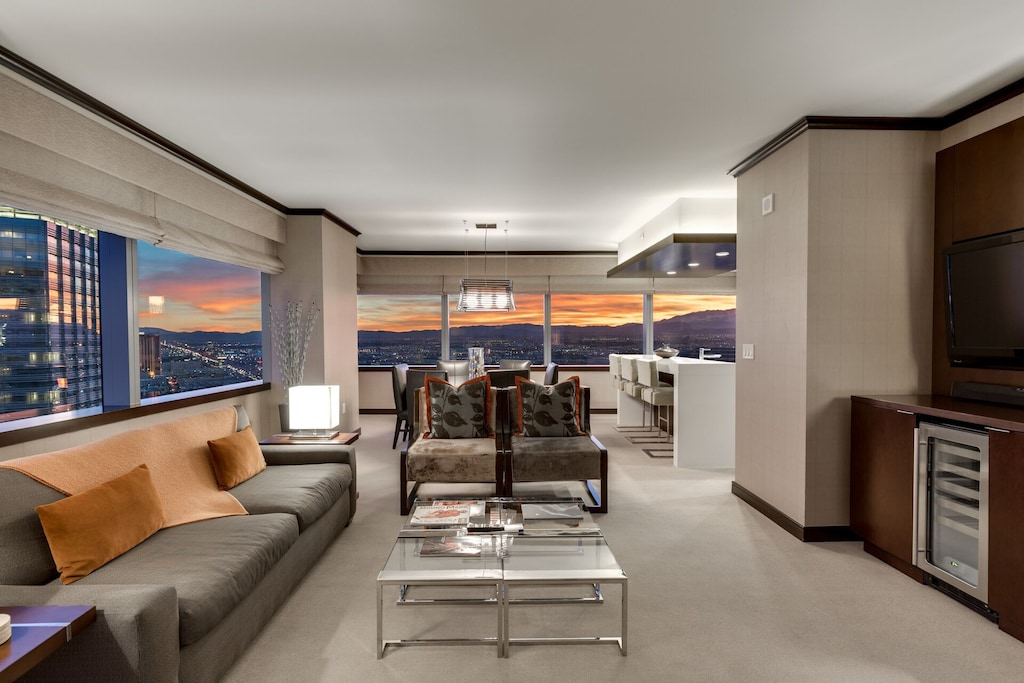 Biggest Penthouse @ Vdara!! 2 BR/ Ab Fab 270° Strip Views! Sleeps 7! 47th Floor