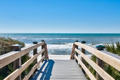 Beautiful white sand gulf coast beach!