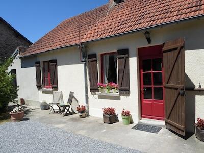 Schönes gemütliches, familienfreundliches Ferienhaus in der Nähe von St Benoit du Sault