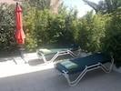 Le solarium avec les  4  bains de soleils Vlaemynck ; les draps de plage sont fournis du 15 Février au 30 novembre.