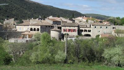 le Gîte de Babeth  Village Les Salelles St Maurice d'Ibie