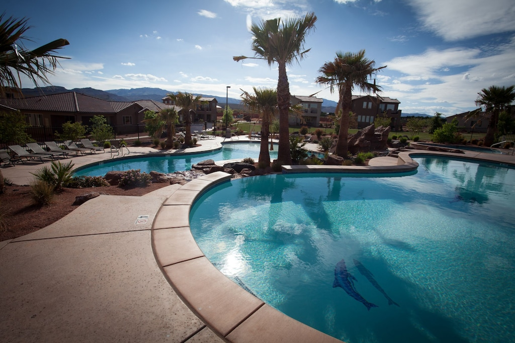 Large 4 Bedroom Home 2 Pools Hot Tub In Backyard 2 Master Suites Santa Clara