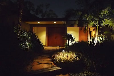 Entrance from private driveway.