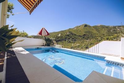Casa de dos dormitorios con piscina privada