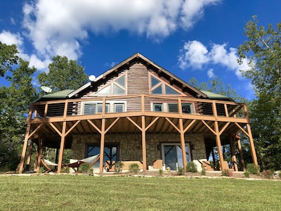 Welcome! Have the time of your lives at the Overlook at Lake Lure!