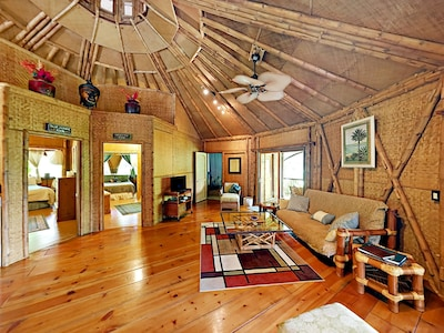 Bright, spacious and airy living space in the most authentic tropical way...