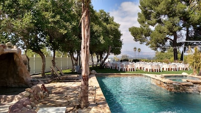 Set up your amazing wedding on the 5000sqft of perfectly flat, fake grass w view