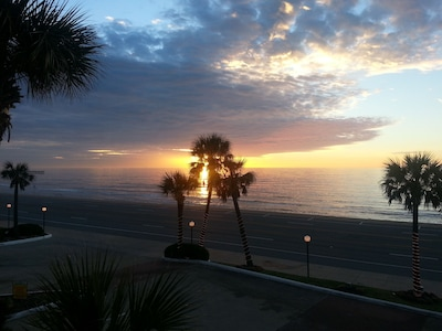 The beautiful Galvesotn  sunrise from the  #202