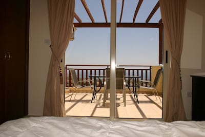 Luxury apartment in Peyia with great views of Coral Bay