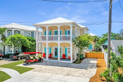 Beautiful updated and well maintained home in Crystal Beach