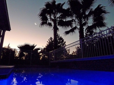 5 Star Orlando's gorgeous aspect - illuminated heated pool in the moonlight