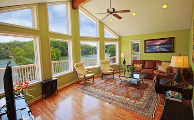 Family Room with Vaulted Ceilings with Wide Lake Views (2018)