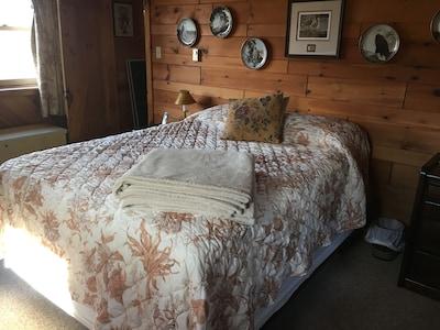 Second floor Master with Queen bed.