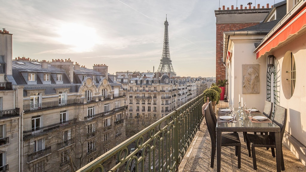 This spacious terrace with Eiffel Tower views is perfect for your 4 days itinerary in Paris