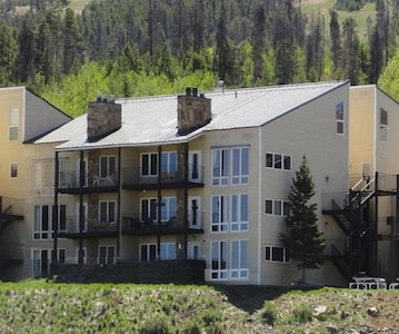 Family 2 bedroom/3 bath condo at The Mountainside in Granby Ranch. Sleeps 8