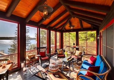 Oak Cabin-Screened-in Porch