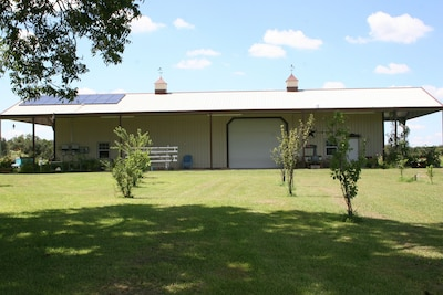 WELCOME TO THE BYRD'S NEST BRAND NEW BARNDOMINIUM!  COME STAY IN OUR BARN!